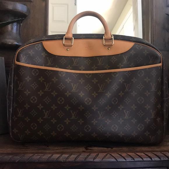691cb52896dd Louis Vuitton Handbags - Louis Vuitton travel bag RARE 💯 auth ‼️sale‼